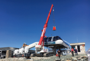 2935 Meter über dem Meeresspiegel: Montage eines reparierten Getriebes an der Bergstation der Sesselbahn Gifthilttli.
