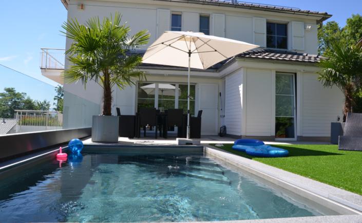 versenkbarer pool gewerbeunion. Black Bedroom Furniture Sets. Home Design Ideas